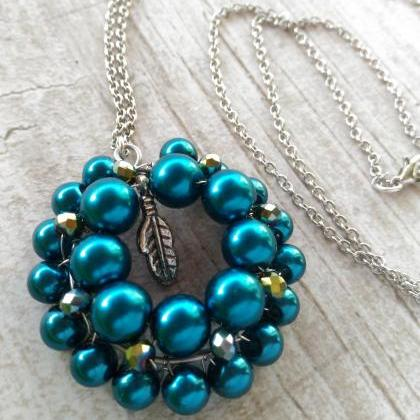 Emerald green necklace, Long chain ..