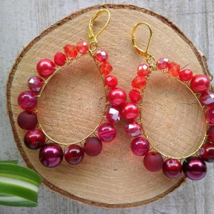 Red beaded earrings, Luxurious red ..