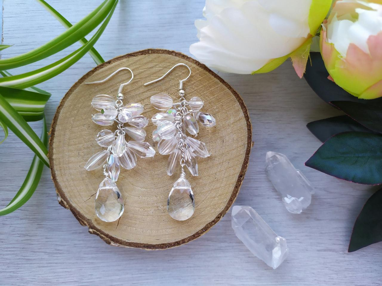 Clear cluster wedding earrings,Bold clear white chandelier earrings, Bridal transparent dangle earrings, Clear drop clusters for bride