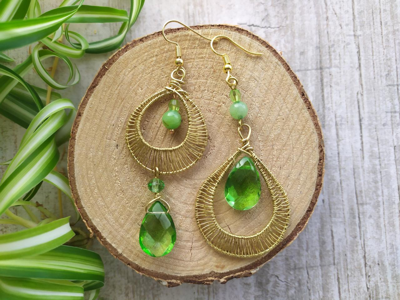 Mismatched green earrings, Asymmetric long earrings, Green boho earrings, Bronze green bohemian chandelier earrings,Wire wrapped gold dangle