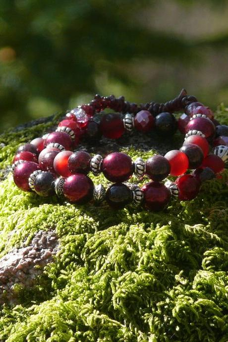 Set of 2 Garnet bracelets, Elastic dark red crystal gemstone bracelet, Stacking bracelets, January birthstone jewelry, Stretch bracelets