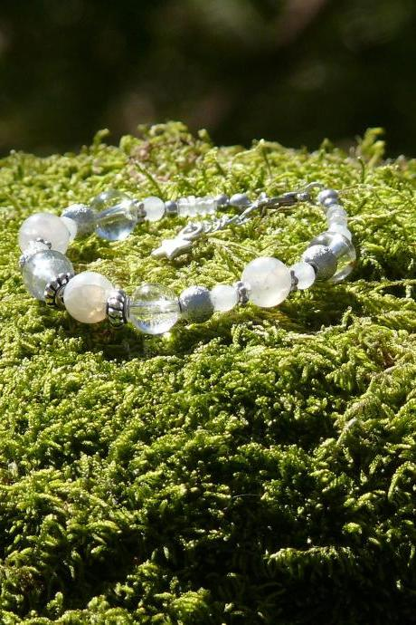 Clarity and Intuition bracelet with Clear Quartz, Rainbow Moonstone and White Agate,White gemstone stacking bracelet,Healing chakra bracelet