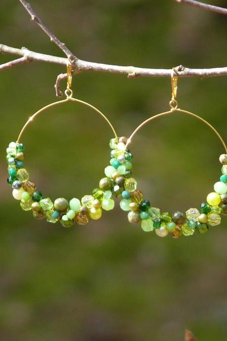 Big green hoop earrings, Green and gold hoops, Green boho earrings, Wire wrapped gold hoops,Green dangle earrings, Green chandelier earrings