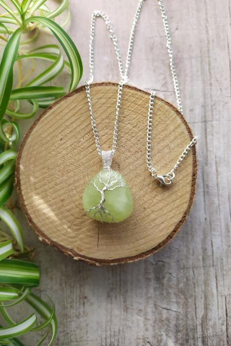 Spring collection: Wire wrapped tree of life pendant, Green boho gemstone necklace,Dainty silver wire wrapped tree Serpentine stone necklace