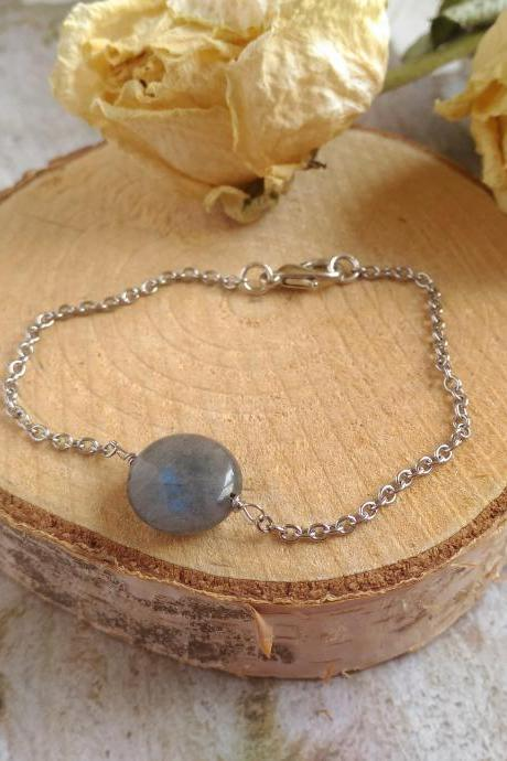 Flashy Labradorite bracelet, Elegant gemstone bracelet with custom length, Grey crystal bracelet, Stainless steel chain layering bracelet