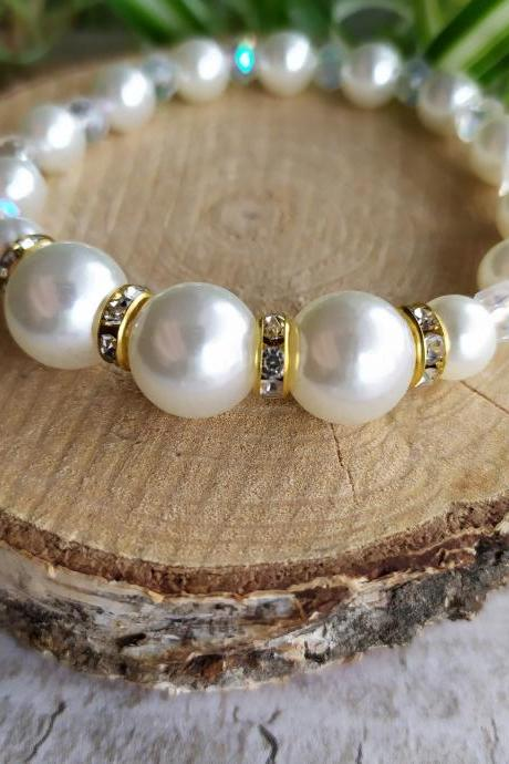 Simple white pearl stretch wedding bracelet, Ivory pearl bracelet for bride,Elegant white and bold bridal bracelet with pearl and rhinestone