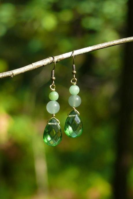 Green Mixed gemstone earrings, Aventurine and Jade earrings, Green boho drop earrings, Dainty gemstone drops, Crystal green earrings